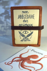 abécedaire_jeu_enfant_bois_classique_écologique_artisanal_ludique_peinture_atelier_lousparel_cadeau_handmade_france_local